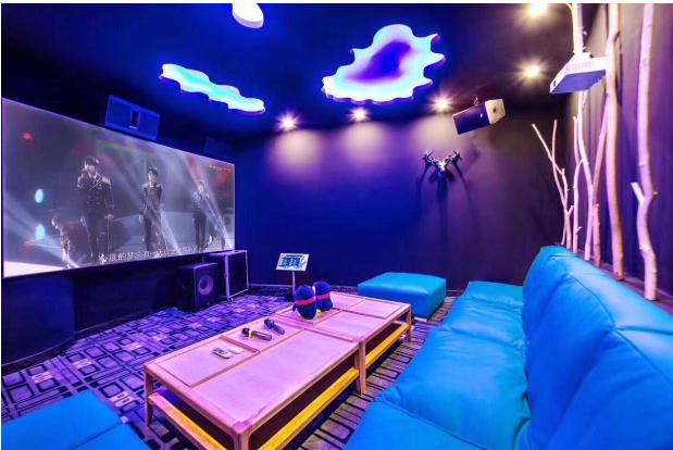 腾讯视频好时光泛娱乐生活馆 手游、直播、微影院、餐饮都承包了